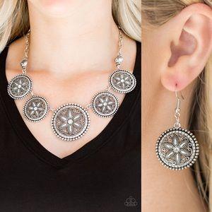 White Circle Necklace Set